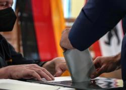 Elezioni Germania, crollo Cdu senza Merkel, primo Scholz. Gode anche l'Italia