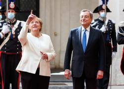 """Merkel a Roma, in visita da Draghi e Papa Francesco: """"Il  mio amore per l'Italia continuerà"""""""