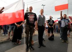 Polonia, una sentenza la mette fuori dall'Ue. Ed è scontro tra Pd e sovranisti