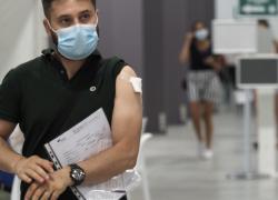 """Vaccino Covid, Israele chiede a nuovi vaccinati di """"evitare attività fisica"""": rischio miocardite"""