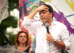 """Renzi si """"prende"""" la Russia: entra in una grande società di car sharing"""