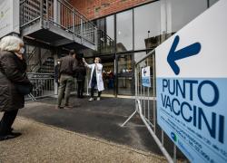 """Covid, l'immunologo Le Foche: """"Improbabile che il virus riparta, vicini a normalità"""""""