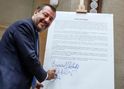 """Green pass obbligatorio, Salvini contro il Governo (di cui fa parte): """"Siamo gli unici in Europa"""""""
