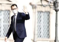 """Reddito di cittadinanza, Patuanelli (M5s) a caccia di consensi facili: """"Va potenziato"""""""