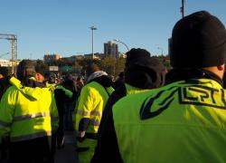 """Portuali Trieste in sciopero: """"Il presidio continua e non si molla"""""""