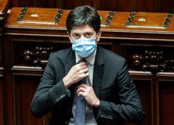 """Vaccino Covid, Roberto Speranza: """"Valuteremo terza dose in base a evidenze"""""""