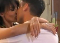 Gf Vip, Miriana e Nicola: scatta il bacio. VIDEO