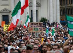 """No Green pass a Roma, continuano le proteste: """"Siamo cittadini liberi"""""""