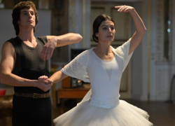 Al Teatro alla Scala l'anteprima del film su Carla Fracci: la interpreta Alessandra Mastronardi