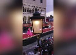 Dolce&Gabbana a Venezia, la sfilata delle figlie d'arte: spettacolari Lena Klum e Deva Cassel