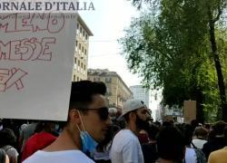 """Fridays for Future, manifestazioni in tutta Italia: """"Le parole non bastano"""". VIDEO"""