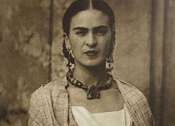 """Frida Kahlo, l'universo intimo di  """"casa Azul"""" in un tour virtuale"""
