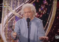 """Fratelli di Crozza, Grillo riceve l'Oscar come """"Miglior pixxxata fuori dal vaso 2020/2021"""""""