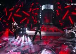 Tale e Quale show, Alba Parietti imita Damiano dei Mankesin e le manca l'aria: VIDEO