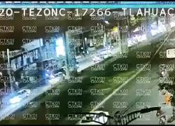 Messico, ponte crolla sulle auto: morti e feriti. IL VIDEO