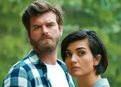 Brave and Beautiful oggi non va in onda: soap sospesa, quando ricomincia