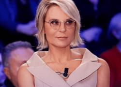 Maria De Filippi, Amici e Uomini e Donne sospesi: non vanno in onda il 18 marzo: ecco perchè