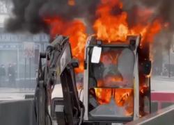 Proteste in Francia contro il Green pass, rabbia e scontri contro la polizia VIDEO