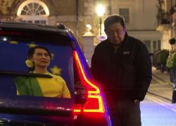 Myanmar, l'ambasciatore a Londra bloccato fuori dalla sede: golpe