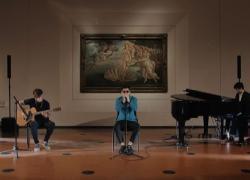 Emanuele Aloia con Sindrome di Stendhal si esibisce agli Uffizi