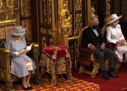 La regina Elisabetta apre sessione del Parlamento di Westminster