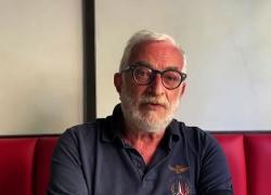 Medico, volontario per i migranti e ora candidato sindaco di Roma