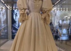 Alla mostra di moda reale la star è l'abito da sposa di Diana