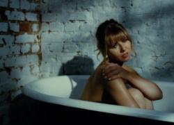 """In anteprima il video di """"Guarda la luna"""" di Natalia Moskal"""