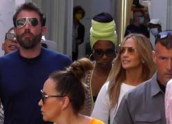 La coppia dell'estate JLo e Ben Affleck manda in delirio Capri