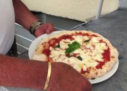 Più leggera e con mozzarella di vaccino: ecco la pizza sorrentina