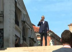 Bocelli canta all'inaugurazione del Ponte di Rialto restaurato