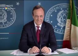 """Fratelli di Crozza, Draghi: """"Fatico a capire. Pensavate che con me 'sto paese di cialtroni si trasformaase nella svezia?"""""""