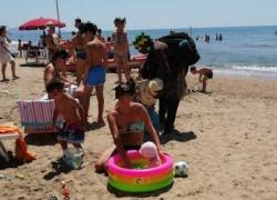 Pediatria: Sicilia, spiaggia Sampieri amica dei bimbi, prima bandiera verde 2021
