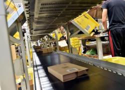 Amazon, country manager a clienti: 'impegno verso dipendenti è nostra priorità'