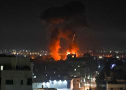 """Israele risponde a palloni incendiari da Gaza, raid contro """"obiettivi Hamas"""""""