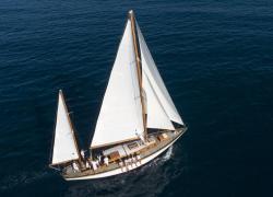 Bracco dona la storica barca a vela 'Beatrice' al Comune di Imperia: sarà nave-scuola