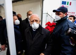 """Covid Campania, De Luca: """"Obbligo mascherine? Farò altre 10 ordinanze"""""""