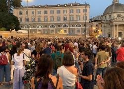 No green pass in piazza a Roma, al via fiaccolata