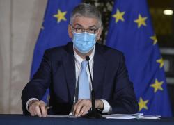 """Covid oggi Italia, """"crescita contagi frena e Rt atteso a 1,23"""""""