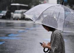 Da lunedì arriva la pioggia, estate al capolinea? Previsioni