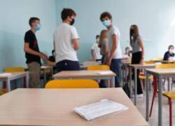 Covid: 'a scuola il 4 ottobre, +10% vaccinati e meno caldo', la proposta