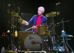 E' morto Charlie Watts, batterista dei Rolling Stones