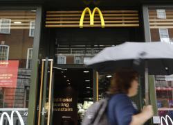 Brexit e Covid, scaffali vuoti in Gb: McDonald's senza milkshake