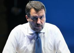 """Salvini: """"Governo? Lega ci rimane, per vigilare"""""""