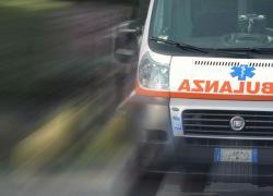 Cosenza, perde il controllo dell'auto e si ribalta: muore 41enne