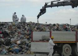 """Utilitalia: """"Viaggiano 2,8 mln di tonnellate di rifiuti"""""""