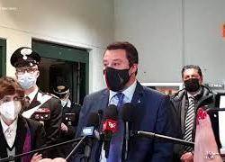 """Salvini rinviato a giudizio per caso Open Arms: """"Decisione dal sapore politico"""""""