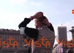 Negazionisti della pandemia in piazza Duomo, contestate misure e vaccinazioni anti-Covid