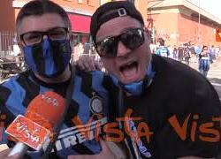 """La gioia dei tifosi dell'Inter al Meazza per la festa scudetto: """"Per i bambini è come il Triplete"""""""