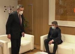 """Sassoli incontra Draghi a Bruxelles: """"Come stai?"""" E il premier: """"Sto. Poi ti racconto meglio..."""""""